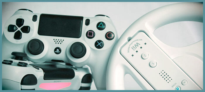 Video game console controllers for online gaming